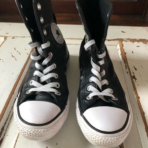 Converse Leather Hi Rise Woman High Tops Like New